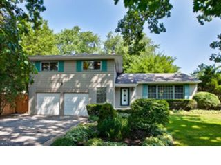 3 BR,  2.50 BTH  Ranch style home in Park Ridge